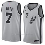 Camiseta San Antonio Spurs Chimezie Metu #7 Statement 2018 Gris