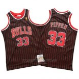 Camiseta Chicago Bulls Scottie Pippen #33 Mitchell & Ness Negro