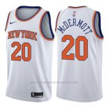 Camiseta New York Knicks Doug McDermott #20 Association 2017-18 Blanco